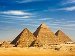 Приамидите предпазват от вредни вълни. Малки пирамиди може да се слагат навсякъде в дома на човек.